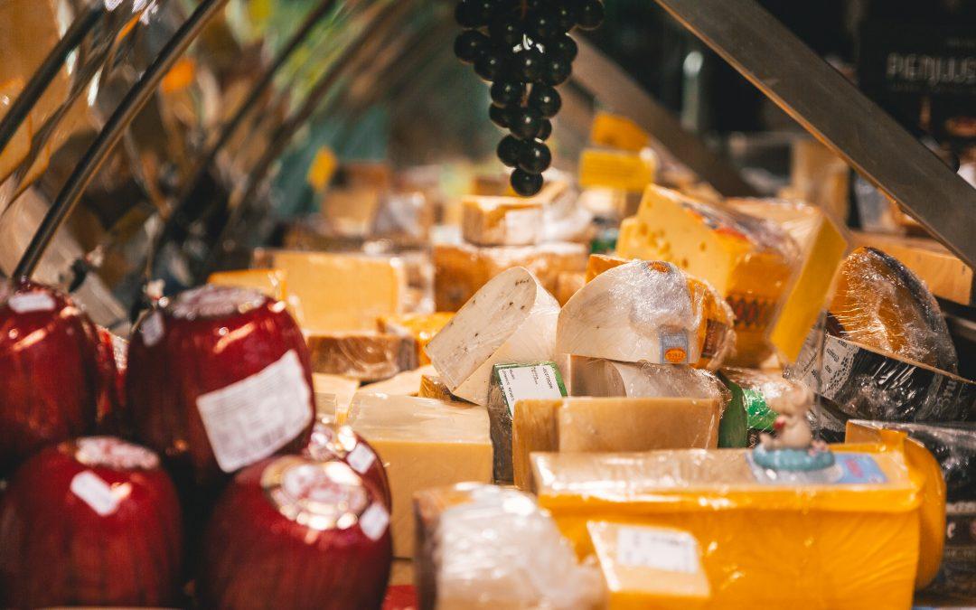 Heinäkuussa Wolt kuljettaa kotiin tai piknik-viltille juustokauppiaiden suosikkeja